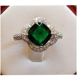 3ct Emerald Quartz and White Topaz Ring Size 8